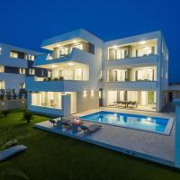 Apartments & Rooms Pool Villas Maris