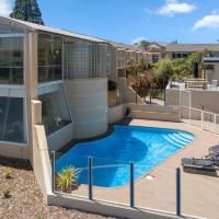 The Village Resort, hotel in Taupo