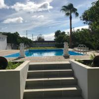 Villa pilonga, hotel en Dos Hermanas
