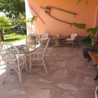 El Jardin, hotel en Salas Bajas