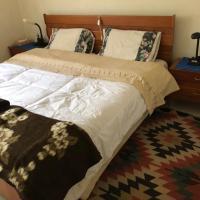 Nice guest room in quiet Russett area