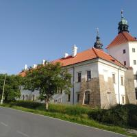 gemuetliche unterkunft bei prag, отель в городе Smečno