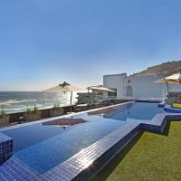 White Cliffs Penthouse, hotel in Clifton, Cape Town