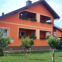 Rooms Sapina, hotel in Korenica