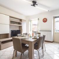 Spacious Holiday Home in Verbania Pallanza with Balcony, hotel a Verbania