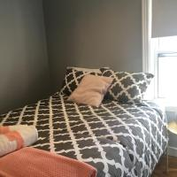 Clean Comfy Centrally Located Private Room