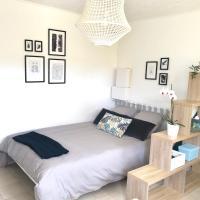 Grand studio avec jardin et terrasse privatifs, hotel in Six-Fours-les-Plages