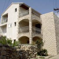 Apartments Vini and Ivana, hotel in Sućuraj