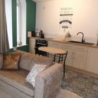 1 Tŷ Mona Church Street Apartment, hotel in Llangefni