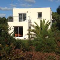 Maison architecte Bois du Kador à Morgat (accès WIFI) Crozon Morgat, hotel in Crozon
