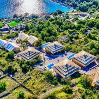 Golden Haven Luxe Glamp Resort, hotel in Murter
