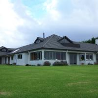 Waiwurrie Coastal Farm Lodge, hotel in Mahinepua