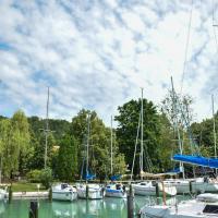Tihany Yacht Club, отель на Тихане