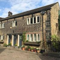 Over The Bridge Guest House, hotel in Ripponden