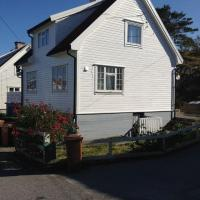 Holiday House in Skudeneshavn-PETS WELCOME, hotel in Skudeneshavn