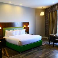 Country Inn & Suites By Radisson Jammu, hôtel à Jammu