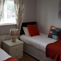 FieldFare Green - Huku Kwetu - Luton - L&D Hospital - London -M1- Luton Airport - Group - Long or Short Stay