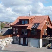 Four-Bedroom Holiday home in Sirevåg