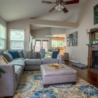 Comfortable, Family and Business Friendly 2BD/2BA House in North Austin