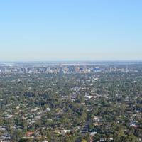 Kingsview Belair, Apartment Grand Views of Adelaide, hotel em Belair