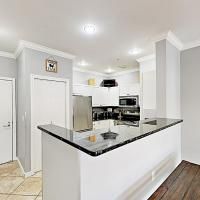 New Listing! Chic Belltown Court Condo With Pool Condo