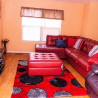 Gorgeous & Elegant 3Bedrooms 2Full-bath Upper Level of a single home, hotel in East Riverdale