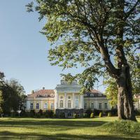 Дворец Елизаветино, отель в городе Дылицы