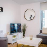 Contemporary 1 Bed Apartment in Media City, Sleeps 4, FREE GYM