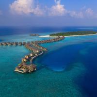 Vakkaru Maldives, hotel in Baa Atoll