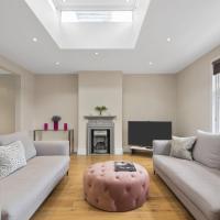Stylish Chiswick Park Apartment