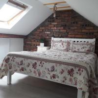 Vintage double bedroom Victoria 1