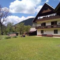 Mountain River apartment
