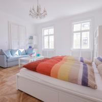 Comfortable room located in the first district!