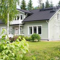 Modern wooden villa, hotelli Hyvinkäällä