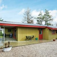 Two-Bedroom Holiday home in Fårvang 1