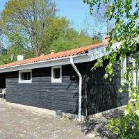 Four-Bedroom Holiday home in Børkop 4