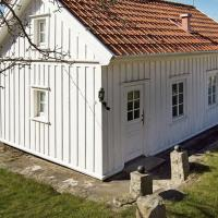 Two-Bedroom Holiday home in Strömstad 2