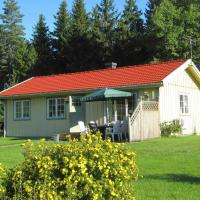 Two-Bedroom Holiday home in Håcksvik 2