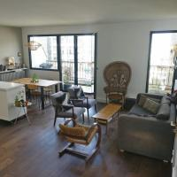 Bright Spacious Architects' apt near PARK, with TERRACE, VIEW of Sacre Coeur, baby ok!