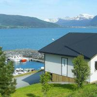 Two-Bedroom Holiday home in Lauvstad 1, hotel in Lauvstad