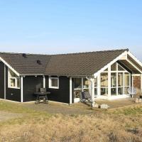 Three-Bedroom Holiday home in Thisted 1, hotel i Klitmøller