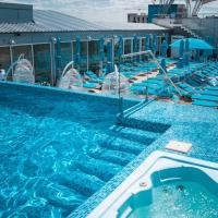 Hotel & Spa NEMO with dolphins, hotel in Kharkiv