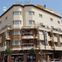 Hotel Vila Mar, отель в Камбрильсе