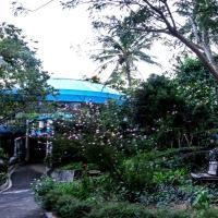 Mirisbiris Garden and Nature Center, отель рядом с аэропортом Virac Airport - VRC в городе Santo Domingo