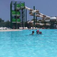 Superbe Mobilhome, hotel in Narbonne-Plage