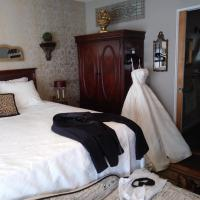 The guest house at the regina house tea room, hotel in Moosic