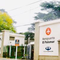 ALIWE ( A 300 metros del Aeropuerto El Palomar), hotel en El Palomar