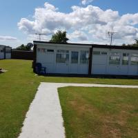 39 - 2 Bed Chalet, Belle Aire, Beach Road, Hemsby, Norfolk, NR29 4HZ