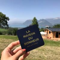 Nid Cosy entre Nature et Lac - Vue Exceptionnelle, hotel in Saint-Jorioz