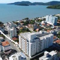 Amplo Apartamento 3 quartos a 100 metros da praia